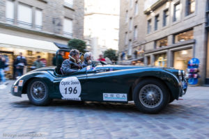 Tour Auto Optic 2000 de 2017 - Jaguar XK 120 dans la ville de St Malo