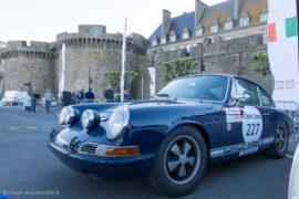 Tour Auto Optic 2000 de 2017 - Porsche 911 2.0l au pied des remparts de St Malo