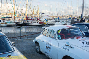 Tour Auto Optic 2000 de 2017 - Porsche 356 B Coupé 1600 devant le port de St Malo