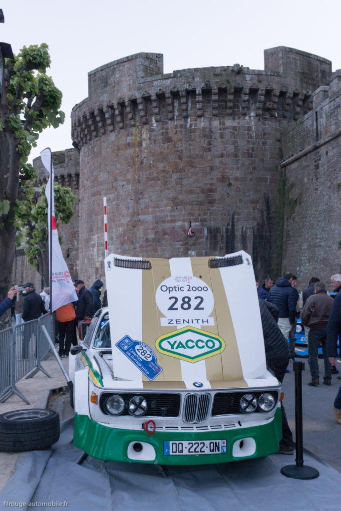 Tour Auto Optic 2000 de 2017 - BMW 3.0 CSL au pied des remparts de St Malo