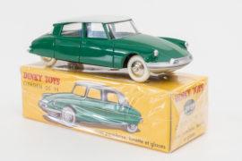 Dinky Toys de mon enfance - Editions Atlas - Le premier modèle, la Citroën DS 19 - réf 24 CP - sur sa boite emballée