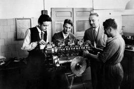 Enzo Ferrari et son équipe en 1946