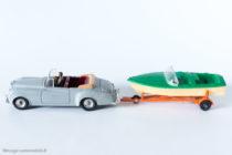 Dinky Toys - Canot Healey réf. 796 accrochée à la Bentley S2 réf. 194