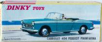 Boite Peugeot 404 cabriolet Dinky Toys - illustration de paysage de bord de mer