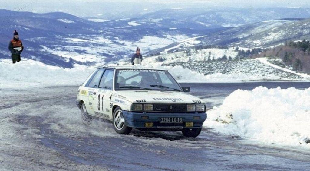 Une Voiture Une Miniature Renault 11 Turbo Groupe A De 1987