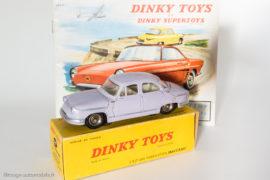Catalogue Dinky Toys 1960 et Panhard PL17 réf. 547