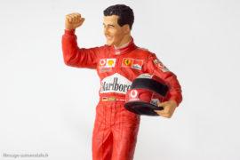 Figurine de Michael Schumacher au 1/9ème - réalisation Endurance Sheercast