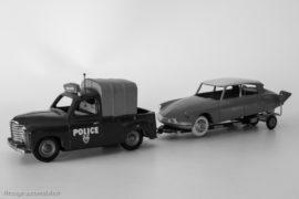 Reconstitution du transport de la Citroën DS après l'attentat du Petit-Clamart - Renault Colorale Police C.IJ et DS Dinky Toys