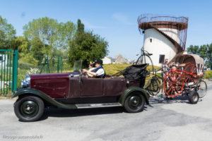 Tour de Bretagne 2018 - attelage original, Citroën et grands bi