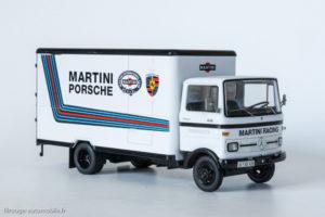 Porsche 935 de 1976 (Solido) devant le camion atelier Mercedes Benz LP 608 du Martini Racing Porsche (Shuco)