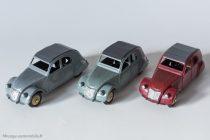 Citroën 2 CV A - Dinky Toys 24 T - trois feux arrières : variante 4 et 5 - gris clair et gris verdrâte