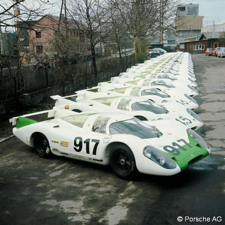 Les 25 Porsche 917 de l'homologation (crédit Porsche)