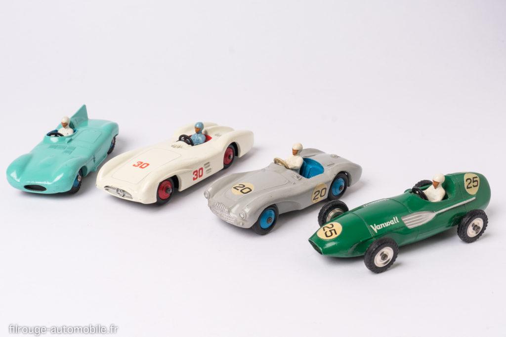 Dinky Toys : Jaguar type D rèf.238, Mercedes W196 rèf. 237, Aston Martin DB3S rèf.110, Vanwall VW5 rèf. 239