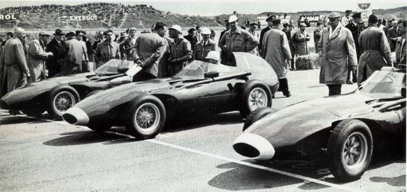 Les trois Vanwall au départ de Grand Prix 1958