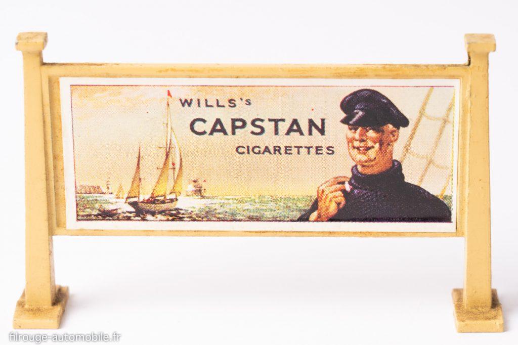 Panneau d'affichage Hornby avec publicité Capstan