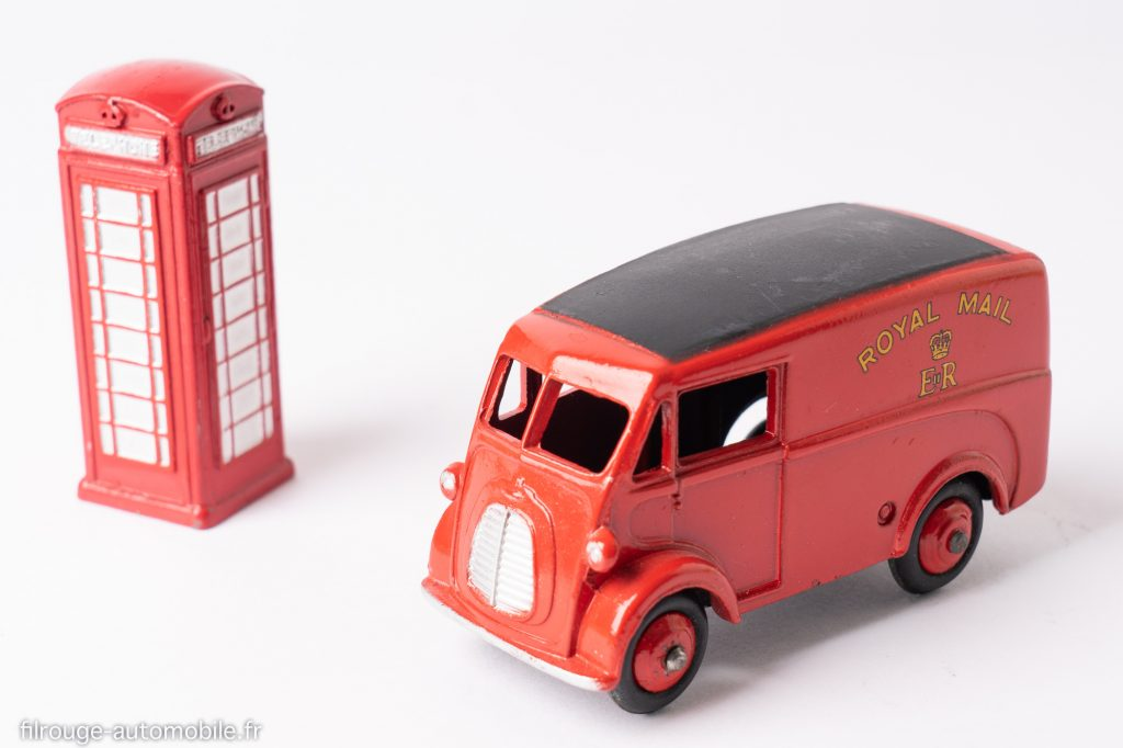 Morris J Royal Mail - Dinky Toys réf. 260 avec cabine téléphonique