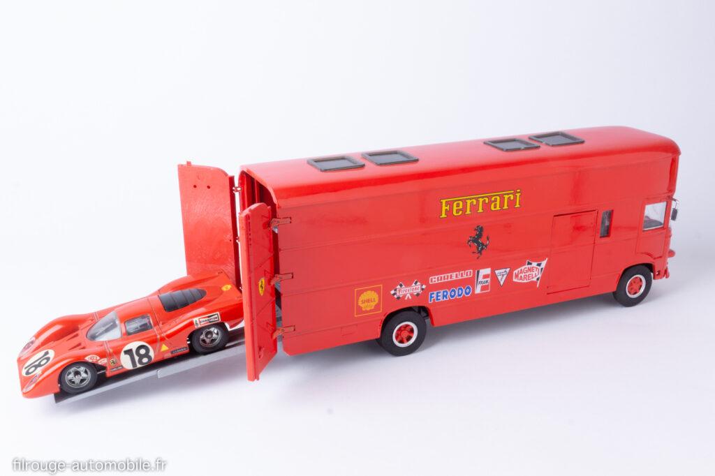Transporteur Fiat OM Rolfo de la Scuderia Ferrari Old Car comme aux 24 Heures des Mans 1969 avec Ferrari 312 P Solido