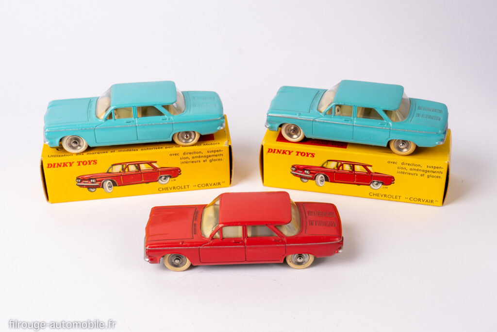 Chevrolet Corvair - Dinky Toys Réf. 552 - les trois types