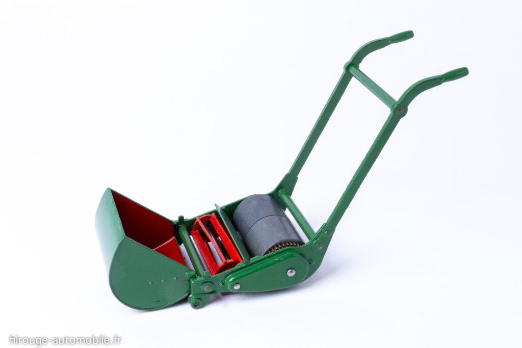 Dinky Toys anglais réf. 751 - Tondeuse à gazon, gros modèle