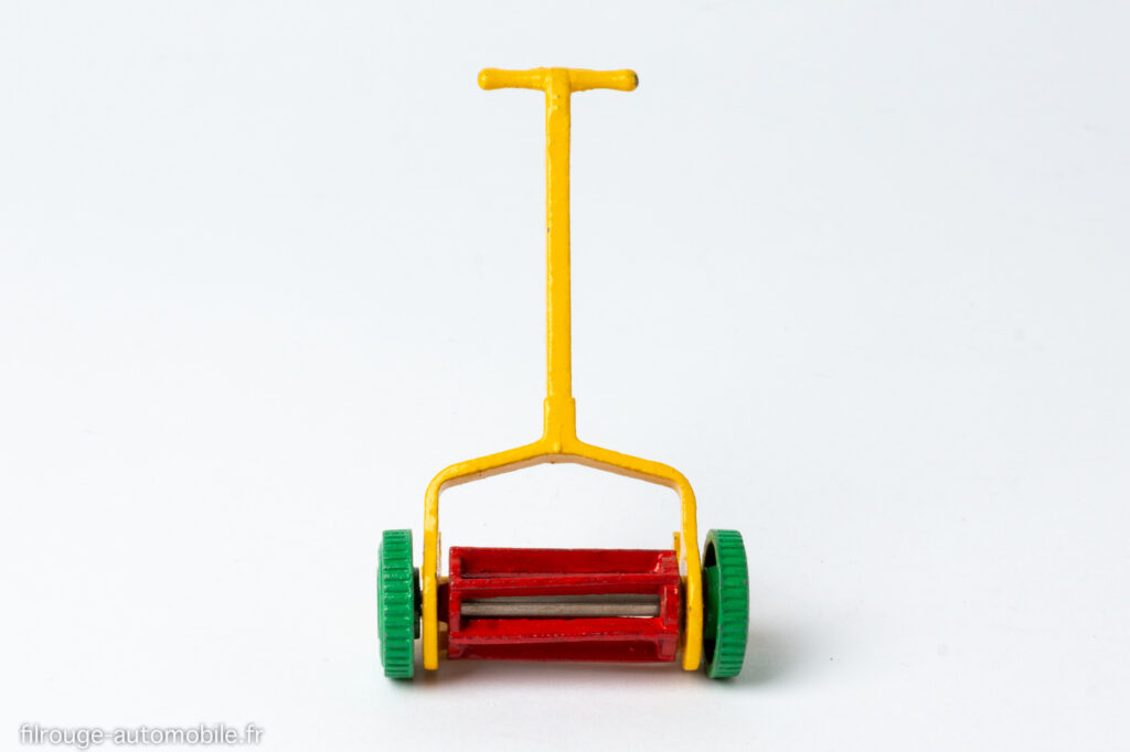 Dinky Toys anglais réf. 105E - Tondeuse à gazon à main