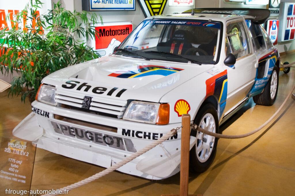 Peugeot 205 Turbo 16 - Ici au Musée de Lohéac
