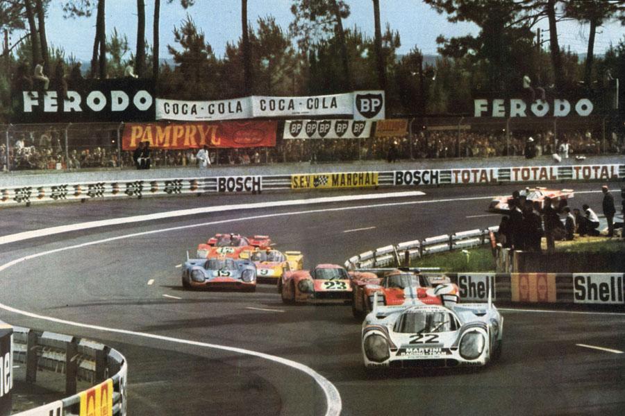 24 Heures du Mans 1971 - Porsche 917 n°22 en tête